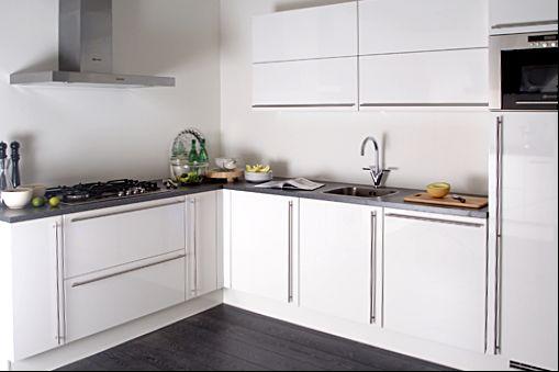 de grootste en voordeligste keukenwinkel van nederland nobilia primo 38601. Black Bedroom Furniture Sets. Home Design Ideas